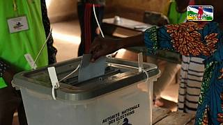 Central African Republic votes in shadow of rebel offensive