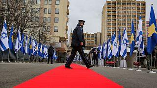 پرچمهای اسرائیل و کوزوو