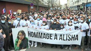 Argenteuil, Francia, la marcia per Alisha uccisa a 14 anni