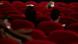 Cinema clandestini in Francia, ma nel rispetto di legge e protocollo sanitario
