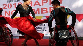 60 yaşında Tekerli Sandalye Dans Yarışması'nda şampiyon oldu