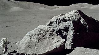 سطح کره ماه