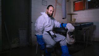 Yehuda Ehrich, egy Tel Aviv-i halottasház alkalmazottja