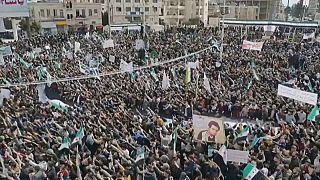 Manifestación en Idlib en el décimo aniversario de la guerra de Siria