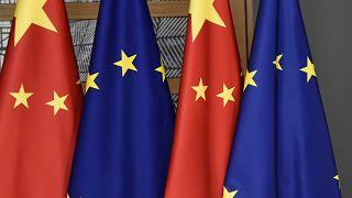 AB Çin'le imzalanan yatırım anlaşmasının onay sürecini askıya aldı