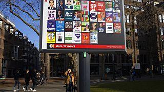 """Pays-Bas : """"quand la crise sera finie, il y aura de vraies élections""""!"""