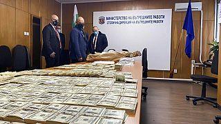 7 Mio Euro - Polizei schnappt Geldfälscher in der Uni-Druckerei