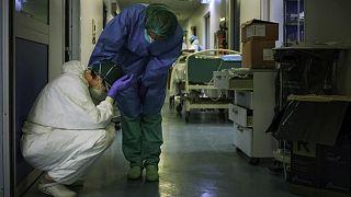 Fransız hastanesinde sağlık personeli
