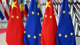 Çin ve AB bayrakları