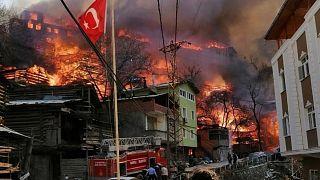 Artvin'in Yusufeli ilçesine bağlı Dereiçi köyünde yangın