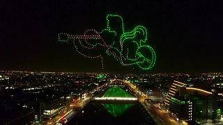 تشكيلات بالطائرات المسيرة عن بعد في عيد القديس باتريك - إيرلندا