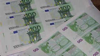 Bulgaristan'ın başkenti Sofya'daki bir üniversitenin matbaasında iki zanlı tarafından basılan milyonlarca euro ve dolar sahte para ele geçirildi