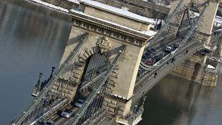 Die Budapester Kettenbrücke (Aufnahme von 2010)