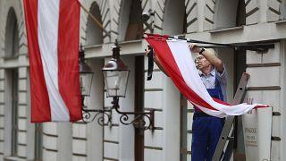 القضاء النمساوي يبطل قرارا بإدانة رجل لارتدائه زي بقرة