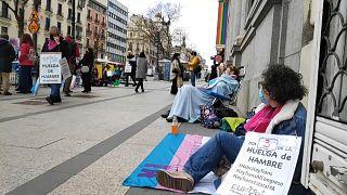 Huelga de hambre de activistas y familias de transexuales frente al Ministerio de Igualdad en España