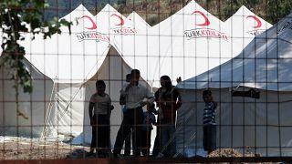 بداخل أحد مخيمات اللجوء على الحدود التركية-السورية