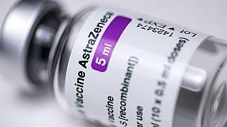 Agência Europeia dos Medicamentos revalida vacina da AstraZeneca/Oxford