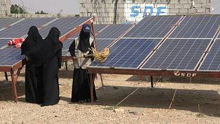 محطة طاقة شمسة صغيرة تديرها وتشرف عليها نساء يمنيات