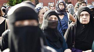 منع پوشش صورت با برقع در برخی کشورهای اروپایی