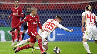 A Liverpool (pirosban) mindkét BL-nyolcaddöntőjét a Puskás Arénában vívta meg a Lepzig ellen.