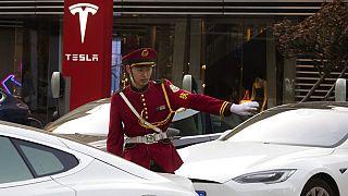 Tesla, Çin'in en büyük şehri Şangay'da büyük bir fabrikaya sahip.