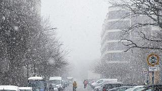 Schnee in Berlin am 19. März 2021 - während die Iinzidenz der Neuinfektionen steigt