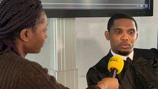 Jornalista Nathalie Wakam, da Africanews, entrevistou Samuel Eto'o em Lyon, França