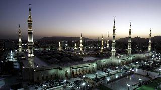 السعودية نيوز |      المسجد النبوي سيفتح أبوابه لصلاة التراويح بطاقة 60 ألف مصلٍ خلال رمضان