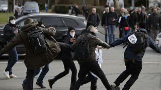 Bei der Demonstration in Kassel kam es auch zu Auseinandersetzungen zwischen Demonstrierenden und Gegendemonstrierenden