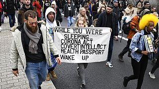 İngiltere'nin başkenti Londra'da Covid-19 protestosu