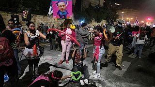 Manifestação contra o primeiro-ministro em Jerusalém com sentido de humor