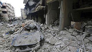 Rus savaş uçaklarının saldırısı sonrası enkaz (Arşiv)