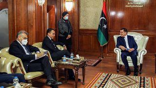 وزير الخارجية الإيطالي لويجي دي مايو  يلتقي برئيس الوزراء الليبي الجديد عبد الحميد دبيبة في العاصمة طرابلس في 21 مارس 2021.