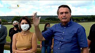 """Bolsonaro a vírusnak """"dolgozik"""""""