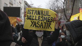Ankara'da, İstanbul Sözleşmesi'nin iptaline yönelik protesto