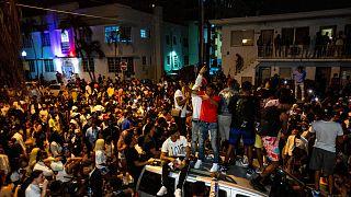 تشتهر ميامي بيتش بكونها إحدى أكثر الوجهات السياحية في فلوريدا