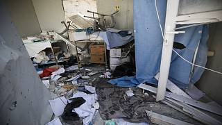 أضرار لحقت بمستشفى الأتارب بريف حلب الغربي ، سوريا ، الأحد 22 آذار 2021