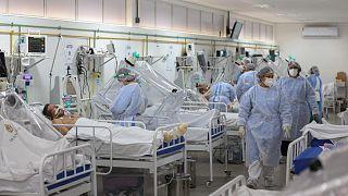 Brezilya'da yoğun bakımdaki Covid-19 hastaları
