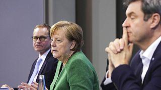 Covid: Merkel vara il lockdown duro