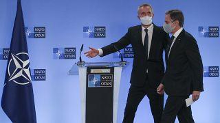 الأمين العام لحلف شمال الأطلسي ينس ستولتنبرغ ووزير الخارجية الأميركي  أنتوني بلينكن/ بروكسل 23 آذار-مارس 2021