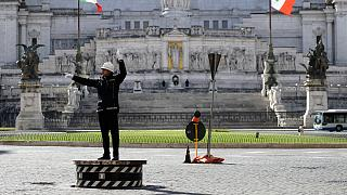 """شاهد:  شرطة المرور في روما تعود للعمل في ساحة """"بياتزا فينتسيا"""""""
