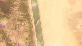 عکس ماهوارهای از کشتی «اِور گیون» در کانال سوئز
