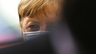 Angela Merkel fa marcia indietro, niente confinamento duro per pasqua