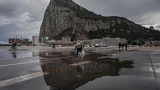 Gibraltar hat die Mehrzahl seiner Bevölkerung geimpft, der Lockdown wurde beendet