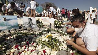 Homenaje a Kaherine Díaz, la surfista de la selección salvadoreña, matada por un rayo en el mar