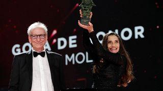 حصلت الممثلة الإسبانية أنجيلا مولينا على جائزة غويا الفخرية عن حياتها المهنية، آذار/  مارس 2021
