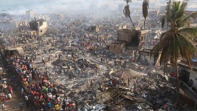 Un bidonville de Freetown détruit par les flammes