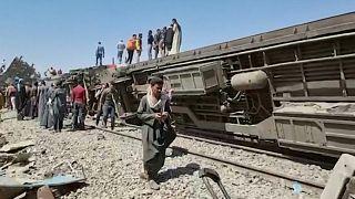 عشرات القتلى والجرحى جراء اصطدام قطارين في صعيد مصر