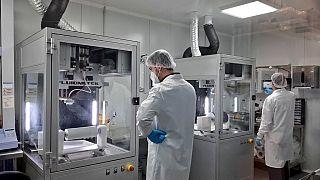 Laboratorio que desarrolla las mascarillas compostables.