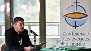 Pedofília: bocsánatot kér a francia katolikus egyház
